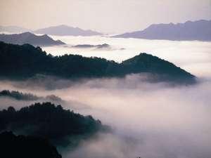 自然と和む 四季の宿 さひめ野:■三瓶山~秋■雲海・・・まさに絶景です!