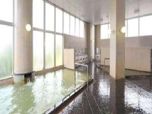 北村温泉ホテル:【大浴場】源泉100%掛け流しの湯量豊富な温泉はクチコミでも高評価をいただいております。