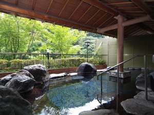 大滝ホテル:露天風呂「蛍の湯」内湯も併設しております。