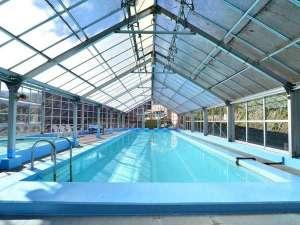 大滝ホテル:屋内にある温泉プールは通年利用が可能です♪(14時~19時、7時~10時)
