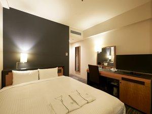ダブル 16.5平米 140cm幅ベッド