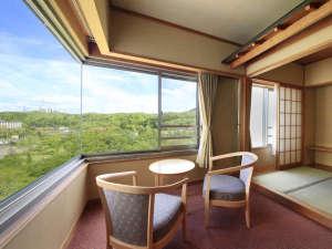 清涼館…全室南向き、全室角部屋構造で日当たり良好。窓からは秋保の自然を一望できます。
