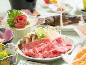 岩と檜の貸切露天 詩季の宿 白樺の庄:女将の手作り夕食一例:信州牛のしゃぶしゃぶ