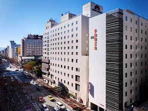 FORZA ホテルフォルツァ博多(筑紫口):2012年12月21日開業。博多駅スグ、竹下通りに面する外観