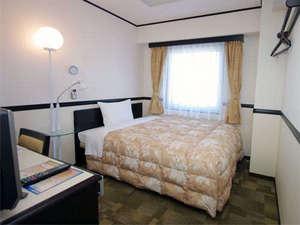 東横イン立川駅北口:ゆったりダブルベッドサイズのシングルルーム