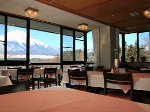 レイクサイド山中湖:朝、富士山を眺めての食事はサイコーですっ!!