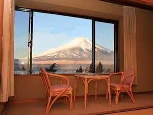 レイクサイド山中湖:当ホテル自慢の富士山の景色っ! 各お部屋からどうぞ♪