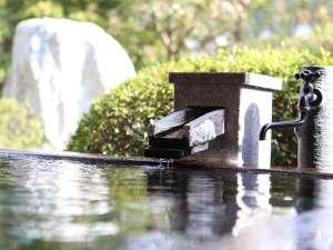 自然を感じる露天風呂でプライベートな時間を過ごせる客室「出雲-IZUMO-」は2020年リニューアル