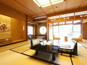 露天風呂付貴賓室は当館最高クラスのお部屋(12畳・8畳・茶室)