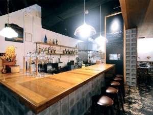 アーケードリゾートオキナワ ホテル&カフェ<沖縄市>:【1Fラウンジ】ゆっくりお寛ぎ下さい。