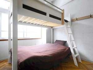 アーケードリゾートオキナワ ホテル&カフェ<沖縄市>:【3F広々とした2段ベッド】