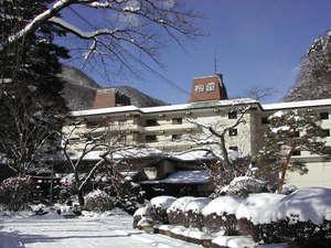 湯けむりの里 柏屋:冬 積雪時玄関前イメージ