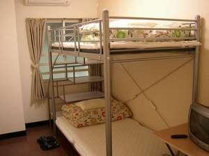 グレイス那覇:3階個室ツイン 2段ベッド