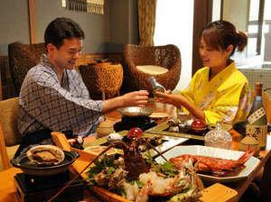 モダンアジアと地産地消の伊豆海鮮 ニッポニア高原宿 夢海月:海望む半露天風呂付き客室ではお部屋食サービスも人気。