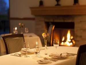 フェニックス洞爺クラブ:洞爺湖ならではのフランス料理のフルコースをお楽しみください