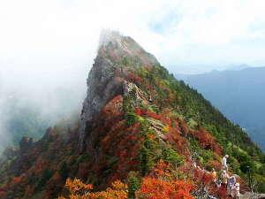 7月~10月 石鎚山は西日本最高峰で、日本七霊山の一つ