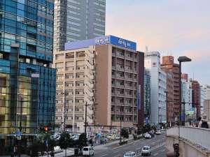 ■ホテル概観(仙台駅方面より)