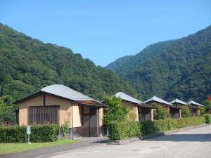 江の川カヌー公園さくぎ:囲炉裏が付いた和室のコテージで、ゆったりと宿泊できます。