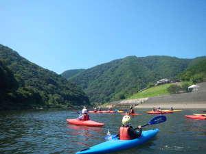 江の川カヌー公園さくぎ:江の川でカヌーを楽しめます。未経験でも大丈夫です。(要予約)
