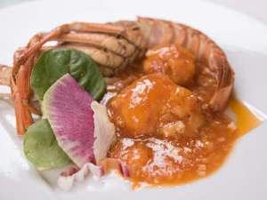 群馬ロイヤルホテル:*中華料理コースメニュー一例:大エビのチリソース煮