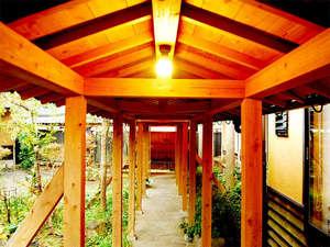 湯平温泉 ゆけむりの宿 花木綿:お風呂へはこちらの廊下を通ってどうぞ♪