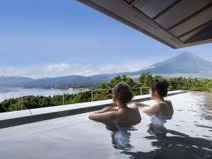 富士山と湖を望むリゾート ホテルマウント富士:2017年8月7日OPEN!展望露天風呂「はなれの湯」