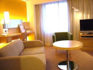 シティプラザ大阪~HOTEL & SPA~:スーペリアツイン☆リビングスペース