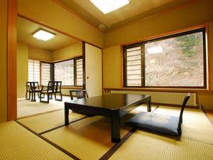 川古温泉 浜屋旅館:*新館和室(8畳+6畳)広々とした空間で、ちょっと贅沢な気分を味わっていただけます!