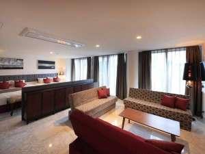 ◆〔別館〕キングスイートルーム 最上階 44㎡■キングベッド×2台 ソファーベッド×3台