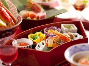 花もみじ:◆彩花膳・献立例/旬の珍味を盛り付けた前菜は、まさに宝石箱