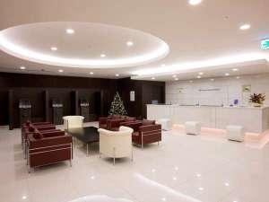ダイワロイネットホテル川崎:【ロビー&フロント】2階のフロントで安心♪こちらでチェックインのお手続きを承ります♪