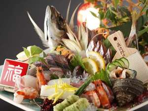 潮騒の宿 晴海:関サバ関アジはコリコリプリプリの食感がたまらない!(例:えいたろうお造り二名様盛り)