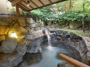 萩姫の湯 栄楽館:【湯次郎の湯】貸切風呂は内湯と露天風呂付♪他に滝見の湯もございます♪(通常45分2,000円)
