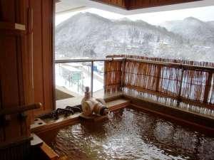 萩姫の湯 栄楽館:【展望露天風呂付客室】冬は雪見露天をお楽しみいただけます♪(例年は12月下旬~2月頃まで)