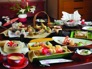 萩姫の湯 栄楽館:【露天風呂付客室】月替わりの創作会席