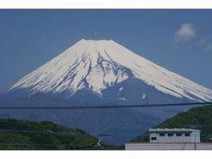 ホテルサンバレー富士見:当館2階からの富士山です!!すんばらしいですよね☆☆☆