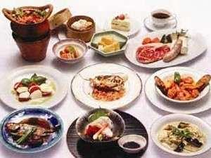 ホテルチューリッヒ東方2001:からだにやさしい素材を使った和洋中タイ料理がおすすめ!