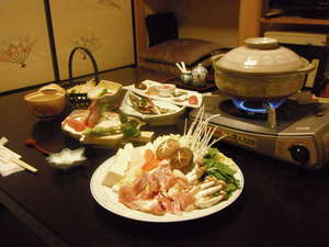 山間のいで湯の宿 清香(せいこう):駿河軍鶏鍋のお料理一例