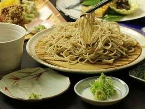 つどい湯とそば料理の宿 せいがくかん(静岳館):手打ち蕎麦は栽培から手掛けた自慢の蕎麦です。