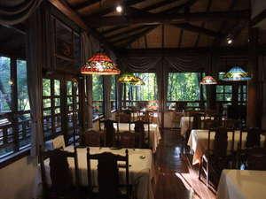 【セラヴィさん】山の幸たっぷりの懐石料理と、雰囲気のあるアンティークに囲まれた小さなホテル♪