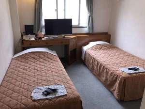 沖縄オリエンタルホテル:セミツイン♪