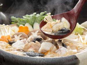 いそざき温泉 ホテルニュー白亜紀:あんこう鍋。茨城の冬の味覚を存分にお楽しみ下さい。コラーゲンたっぷりで温まります。