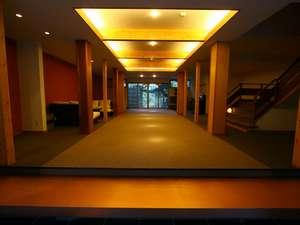金色夜叉起草旅館 清琴楼:玄関ロビー