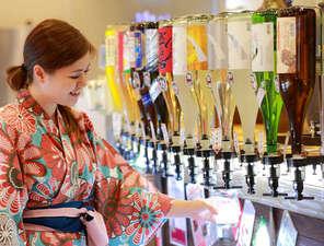 湯巡りと娯楽満載の宿 湯巡追荘:【夕食バイキング】生ビールや焼酎、日本酒、果実酒など豊富な飲み放題!