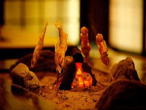渓谷の隠れ宿 祖谷美人:囲炉裏の鮎とでこまわし