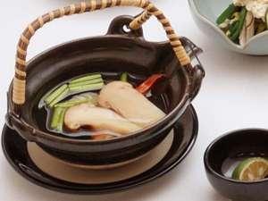 湯之助の宿 長楽園:『秋御膳』会席の松茸土瓶蒸しは人気の一品♪