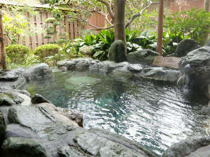 【山荘特別室:常磐之間】自家源泉を保有する当館ならではの湯質をお愉しみください。