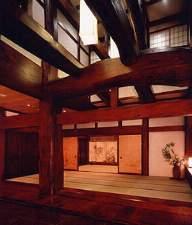 奥飛騨温泉郷 穂高荘 山月(さんげつ):樹齢五百年欅の大木が宿る宿