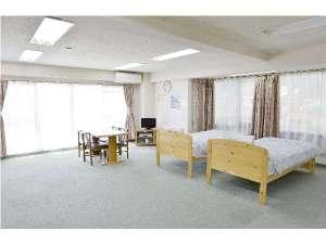 滞在型温泉コンドミニアム石和セントラル:ワンルームタイプのお部屋。