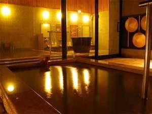 1日7組限定 全室露天風呂付きはなれ客室 いっぺん庵:柔らかくライトアップされた木々、久美浜の空に輝く星を眺めながら、寛ぎの時間をお過ごし下さい。